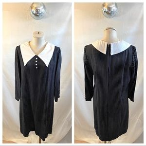 Vintage 70s Oversized Pointed Collar Striped Dress